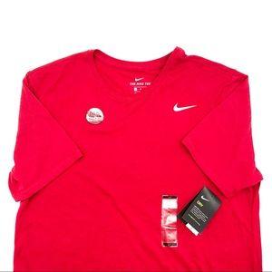 Nike Men's NWT's Athletic Cut Dri-Fit Tee size XL